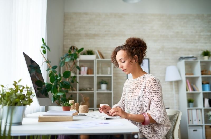Why Feng Shui will  improve work from home?   - Optimize your employees' productivity by enhancing their environment - Be Alternatives conférences et formations